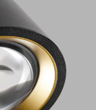 Detalle arillo dorado incluido con el foco OPTIC OUT negro