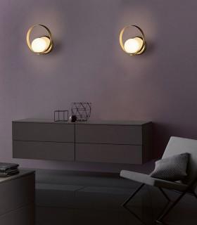 Imagen de ambiente con apliques Halo LED 5W Oro - ACB