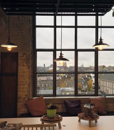 Imagen de ambiente con lámparas Bagao negro ACB