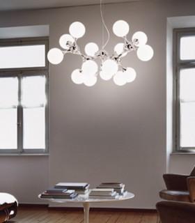 Imagen de ambiente. Lámpara grande Nodi Bianco 15L E-14 Ø105cm.