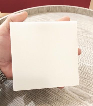 Plafón cuadrado mini sin marcos fino 12w 6000K 1000lm 12x12x2.7cm blanco Vista tamaño.