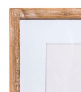 Detalle marco en madera de abeto.