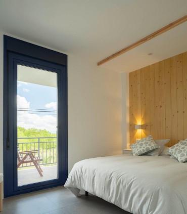 Apartamentos Ribeira Sacra (Ourense), iluminación interior de habitaciones con Davos Bco. By Luzópolis.